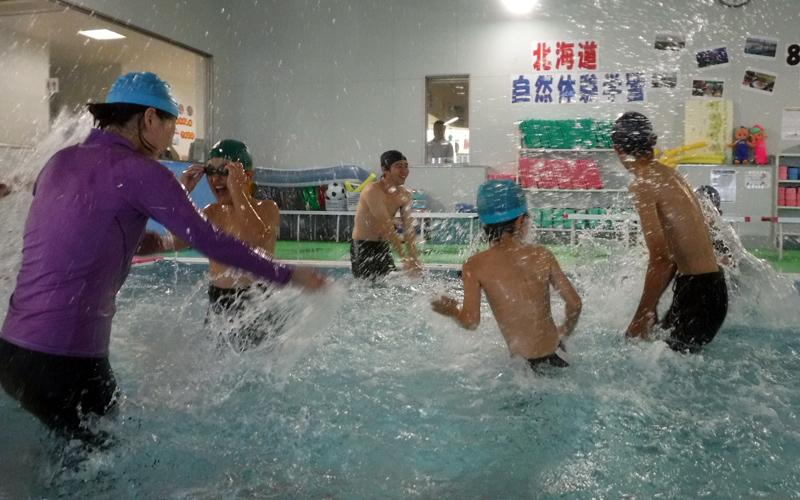楽しい水泳体験を行いました!